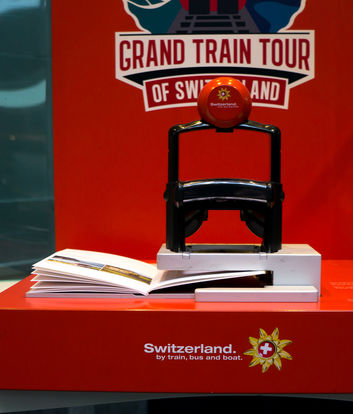 Publikumsgerecht | Grand Train Tour of Switzerland Stempeldisplay | Swiss Travel System | 2016